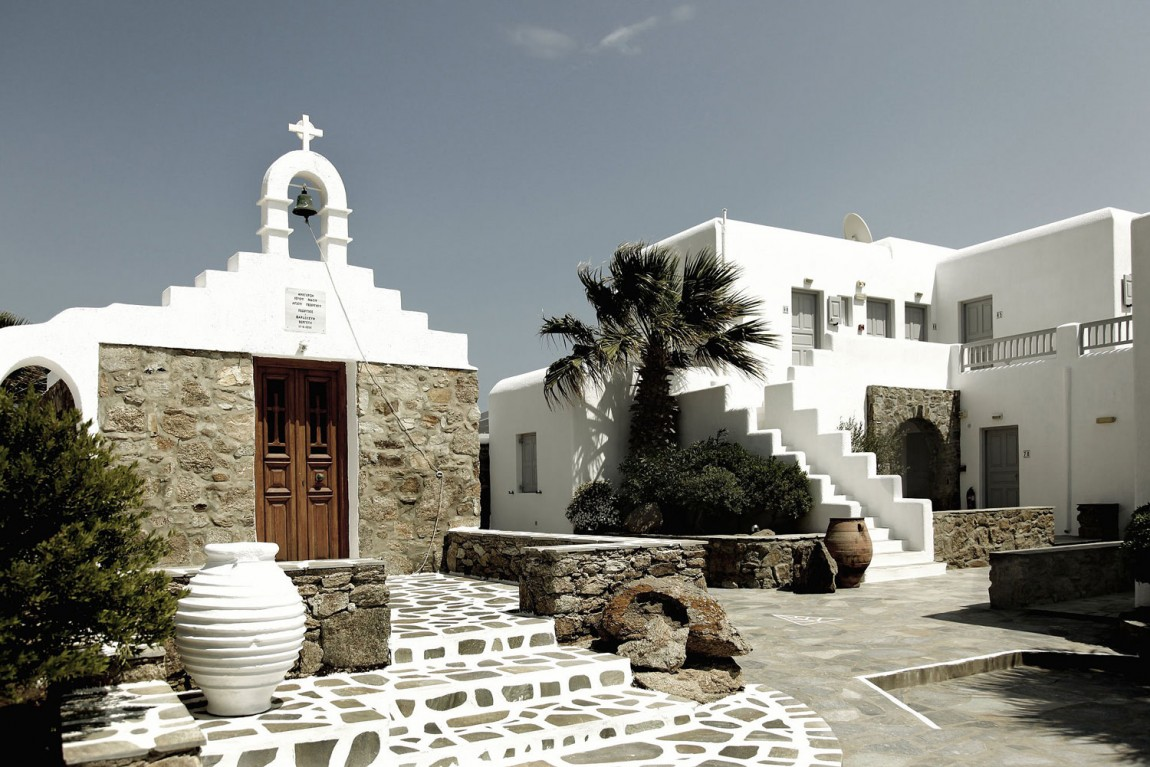 Don t disturb this groove san giorgio hotel mykonos for Top design hotels mykonos