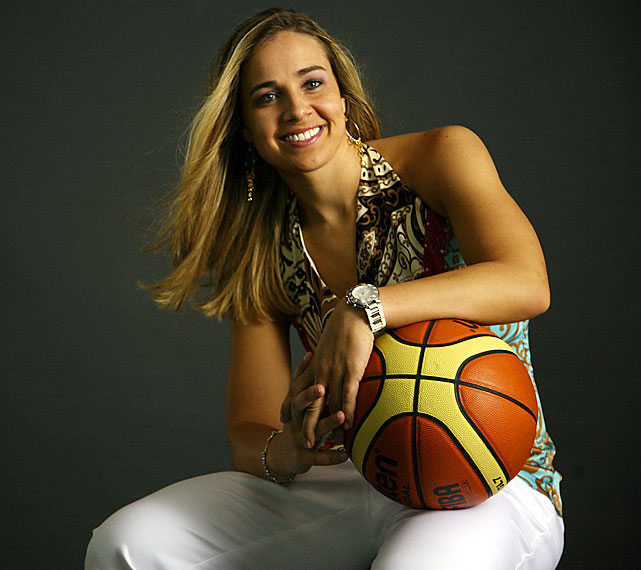 San Antonio Spurs Hire Becky Hammon As First Full Time ...