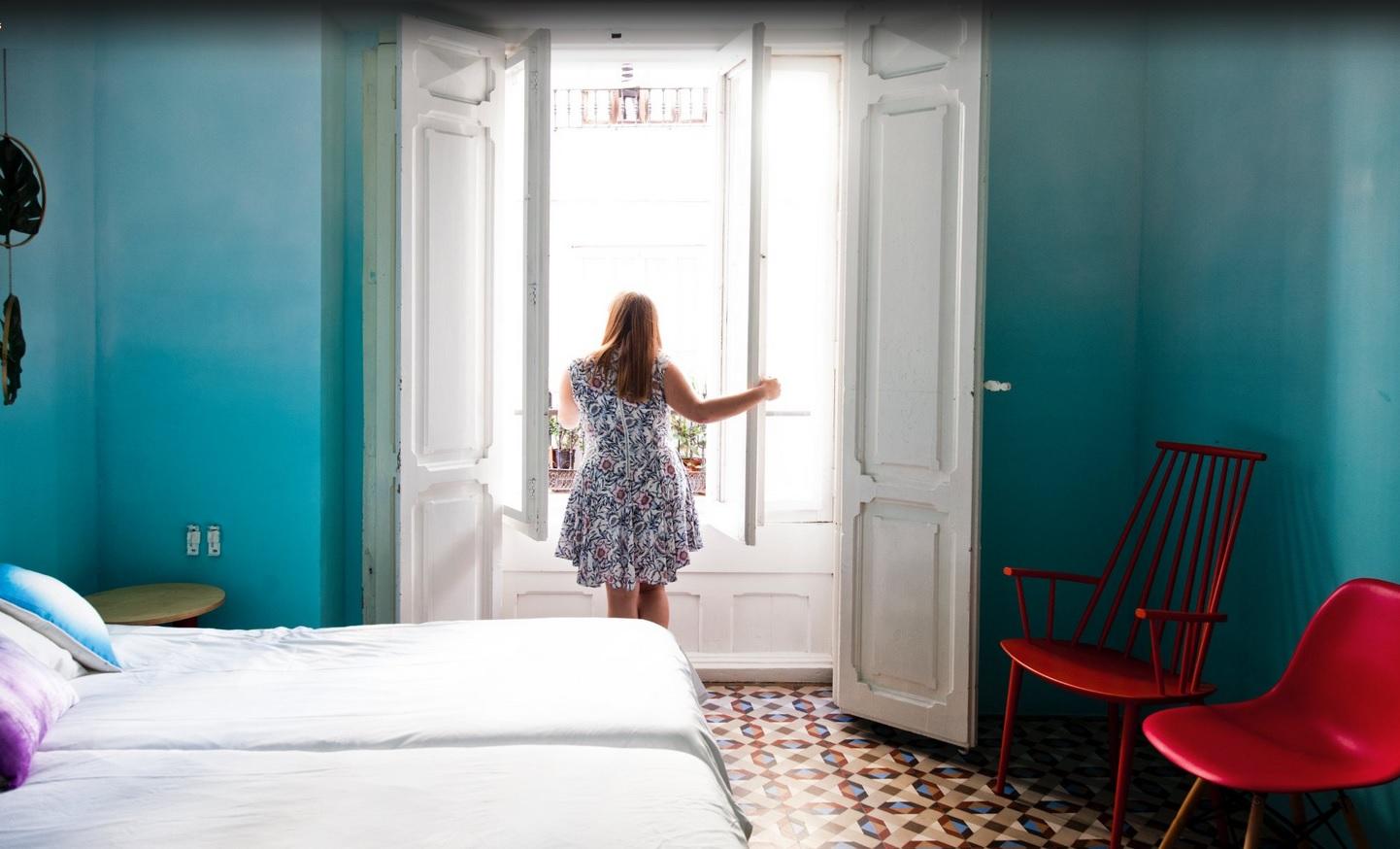 Valencia Lounge Hostel : Spend the nightu d u the valencia lounge hostel valencia spain the